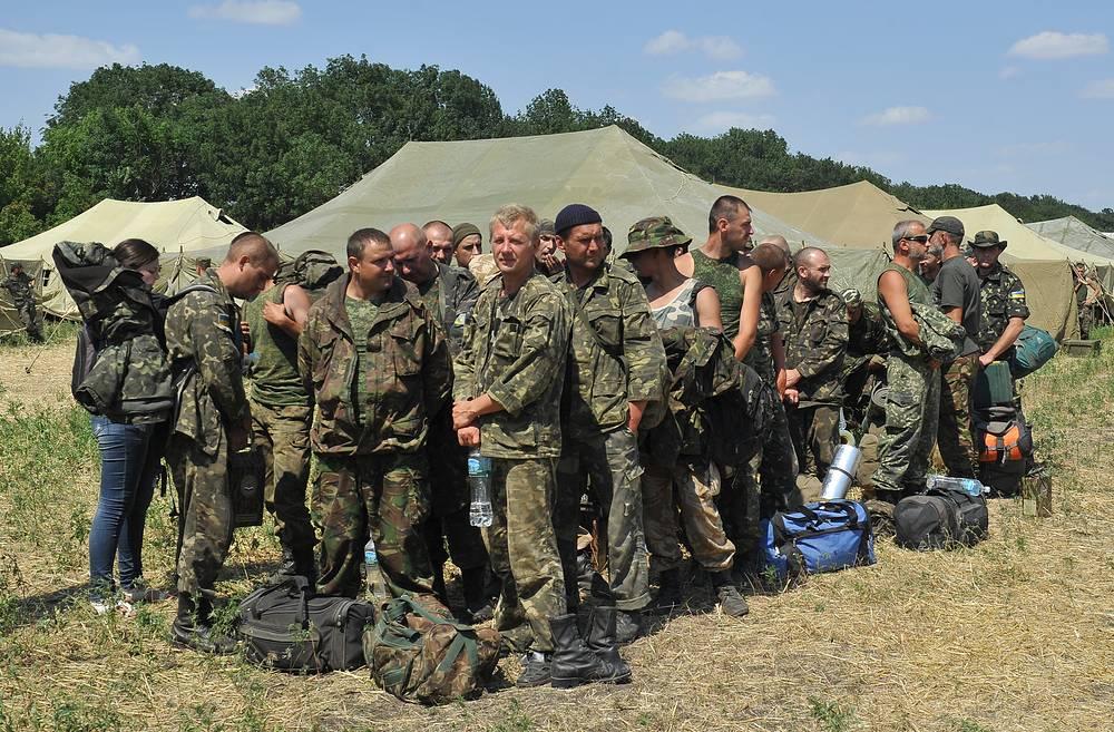 438 украинских военнослужащих перешли на территорию России и обратились к российским пограничникам с просьбой предоставить убежище