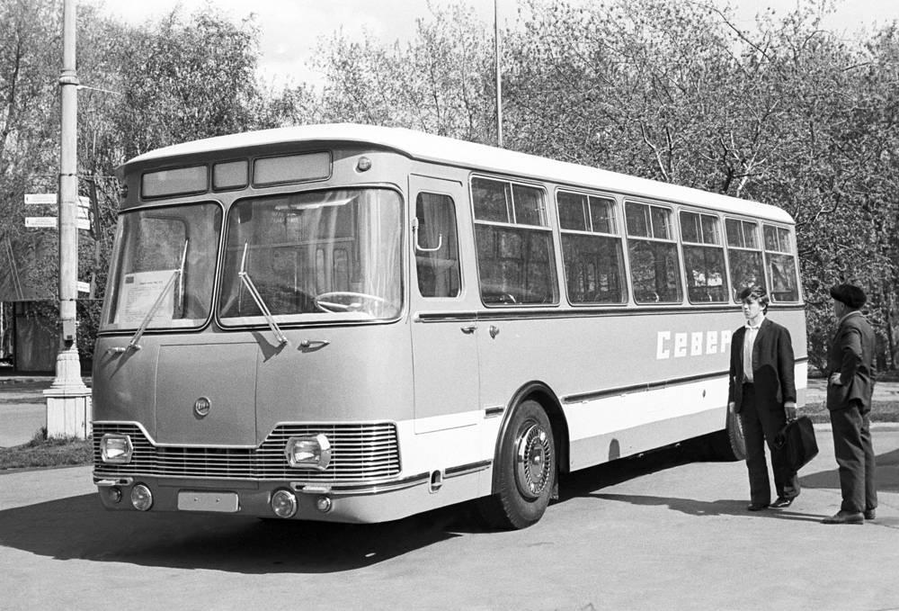 Автобус ЛиАЗ-677, 1974 год