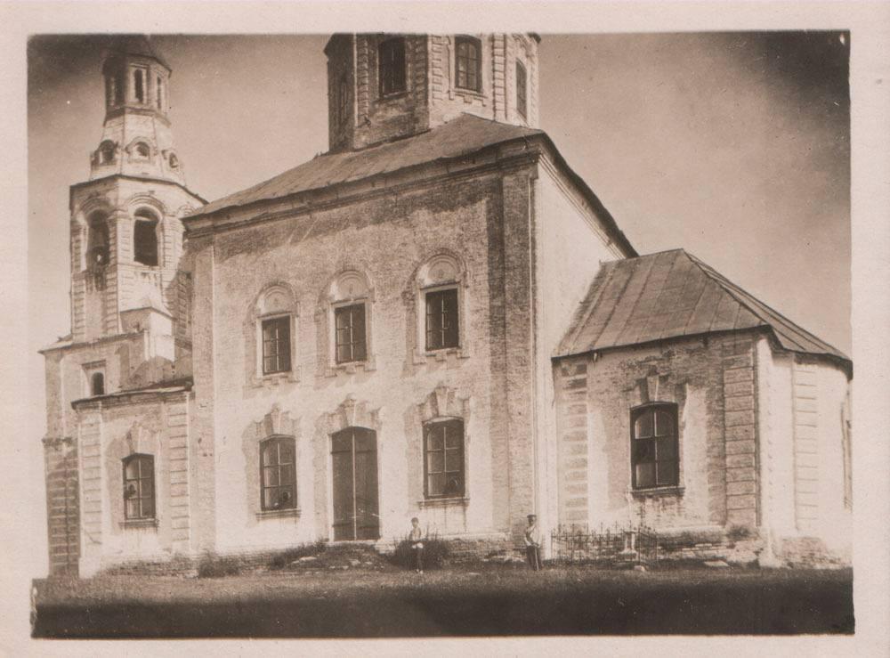 Ильинская церковь 1744 года частично разрушена. Колокольня и алтарь были восстановлены в XXI веке