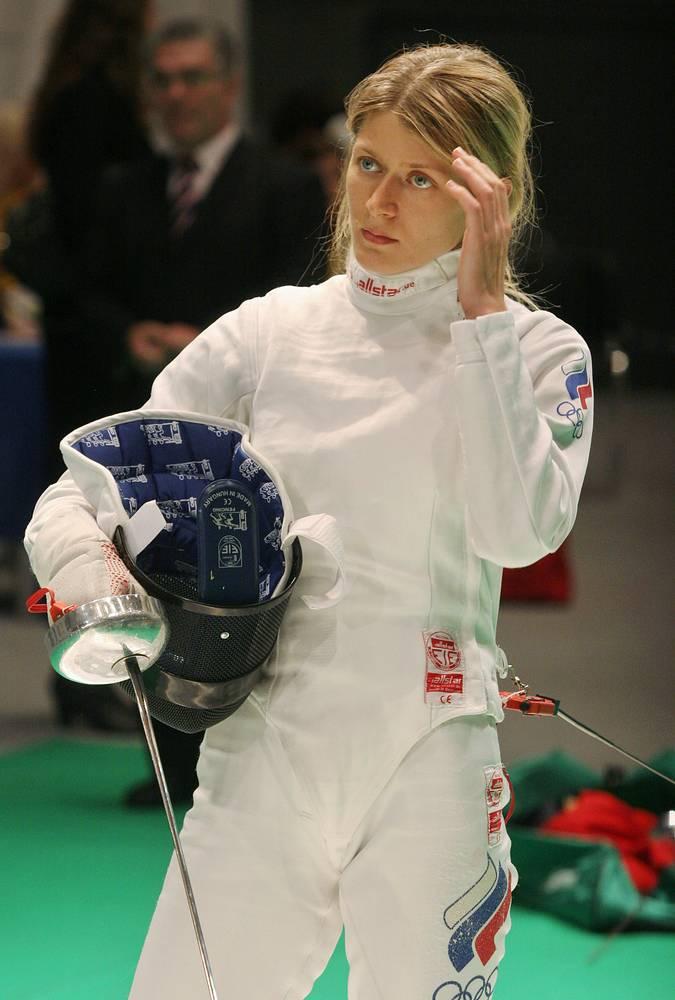 Анна Сивкова, фехтование. Чемпионка ВЮИ-1998 в Москве, олимпийская чемпионка 2004 года и двукратная чемпионка мира в команде