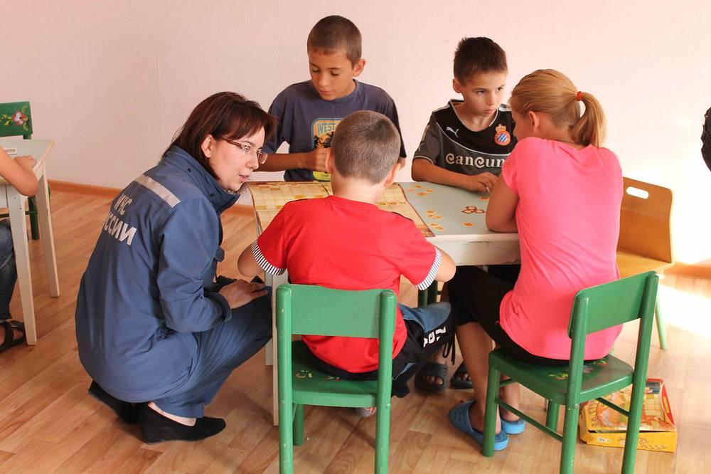 Переселенцы с Украины в пункте временного размещения