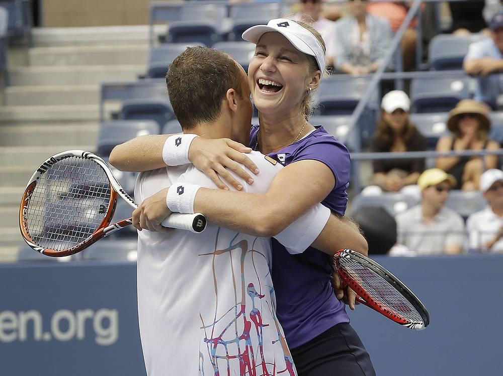 В 2012 году Екатерина Макарова выиграла турнир в миксте в паре с бразильцем Бруно Соарешом
