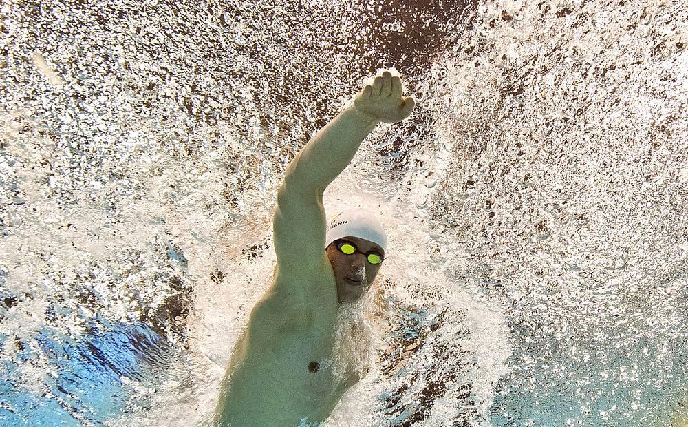 Немец Пауль Бидерман во время соревнований на  200 метров вольным стилем