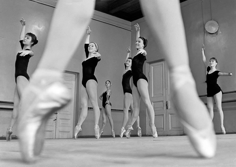 Москва. Во время занятий в хореографическом училище, 1967 год
