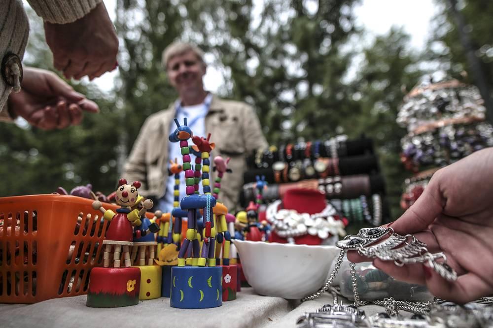У каждого была возможность приобрести предметы народного творчества на специальной выставке-продаже