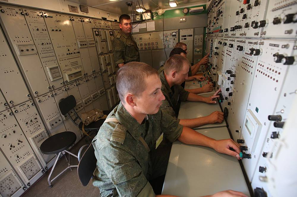 Военнослужащие ЦВО во время выполнения учебных задач