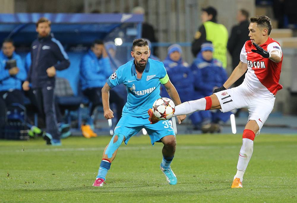 "Футболисты ""Зенита"" Мигел Данни и ""Монако"" Лукас Окампос (слева направо)"