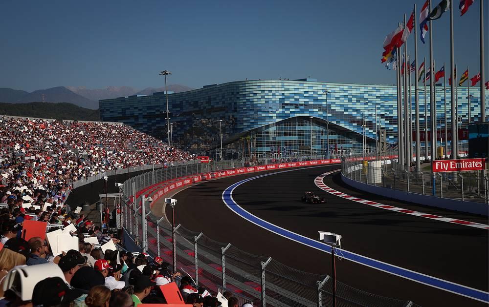 Всего на автодроме гонку посмотрели более 65 тысяч человек