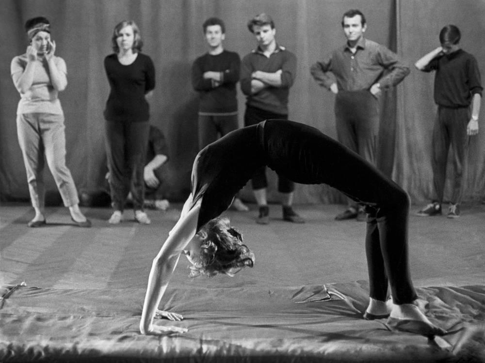 В 1963 году Анастасия Вертинская поступила в театральный институт имени Бориса Щукина, будучи уже знаменитой актрисой