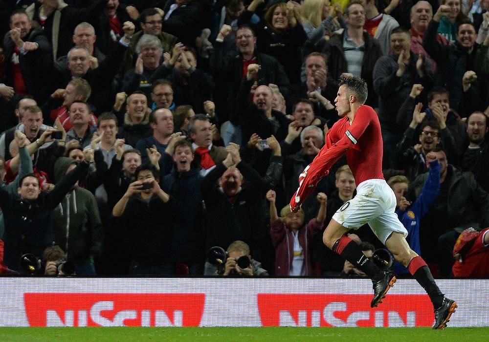 """""""Манчестер"""" сравнял счет уже в компенсированное время. Гол забил Робин ван Перси"""