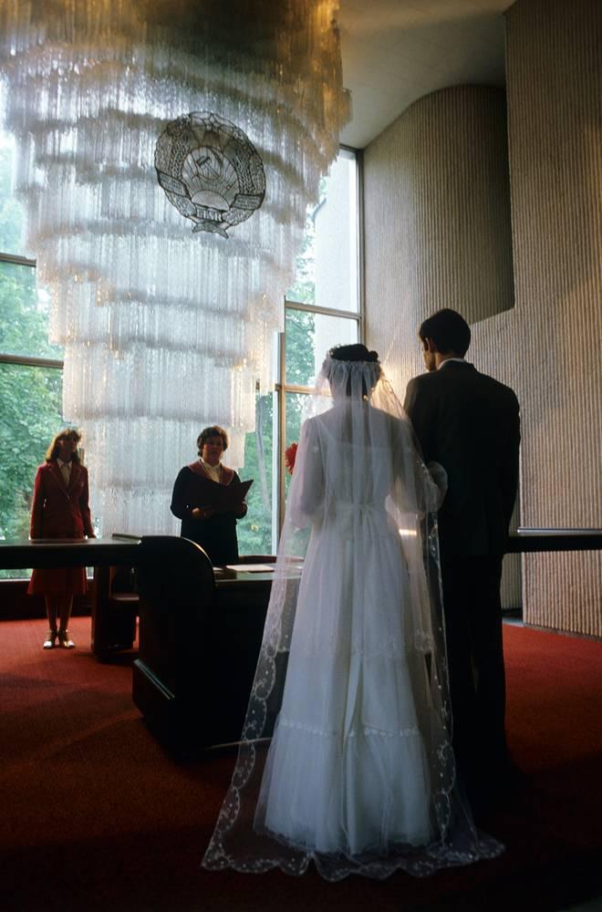 Свадебная церемония во Дворце бракосочетания в Вильнюсе, 1983 год