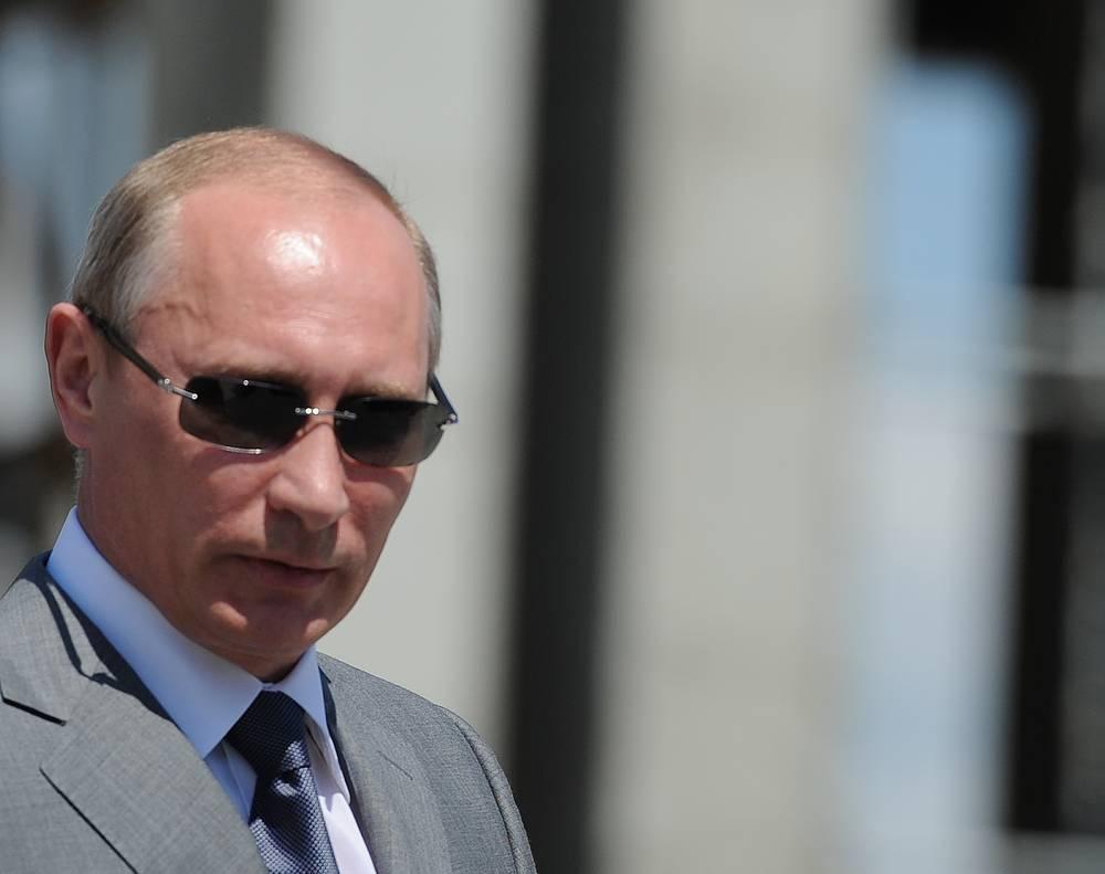 Президент России Владимир Путин второй раз подряд возглавил ежегодный рейтинг самых могущественных людей в мире по версии американского журнала Forbes, 5 ноября