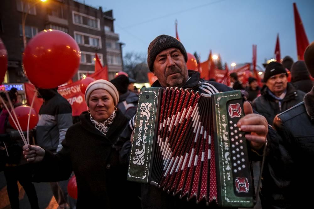Годовщина Октябрьской революции отмечалась в СССР 7 ноября с 1918 по 1991 год