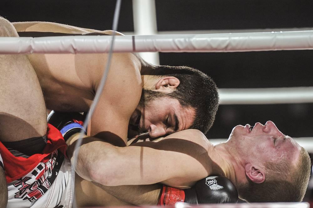 ММА (любители). Касум Касумов (республика Дагестан) против Александра Макмуратова (Новосибирская область)