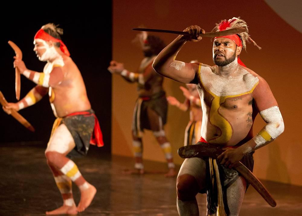 Выступление коренных народов Австралии в рамках церемонии открытия саммита G20 в Брисбене