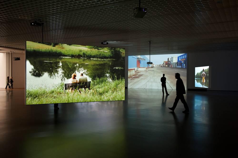 """Выставка голландской художницы Марике ван Вармердам """"Время идет"""""""