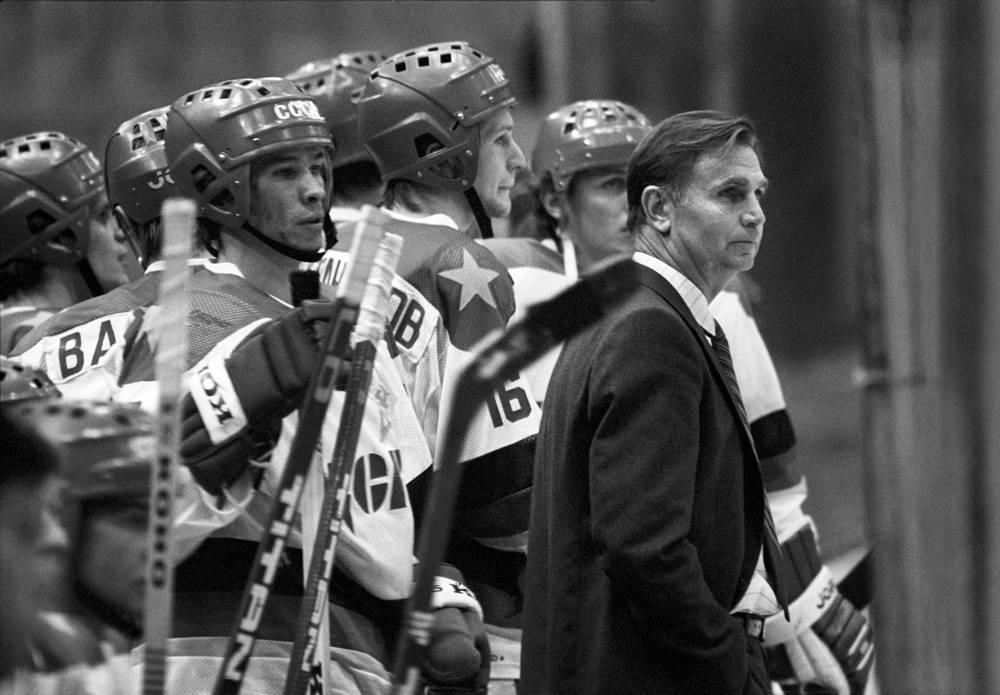 Виктор Тихонов - старший тренер ЦСКА. 1985 год