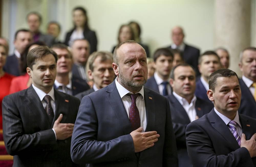 """Новая правящая коалиция получила название """"Европейская Украина"""". Всего в состав коалиции вошли 302 депутата"""