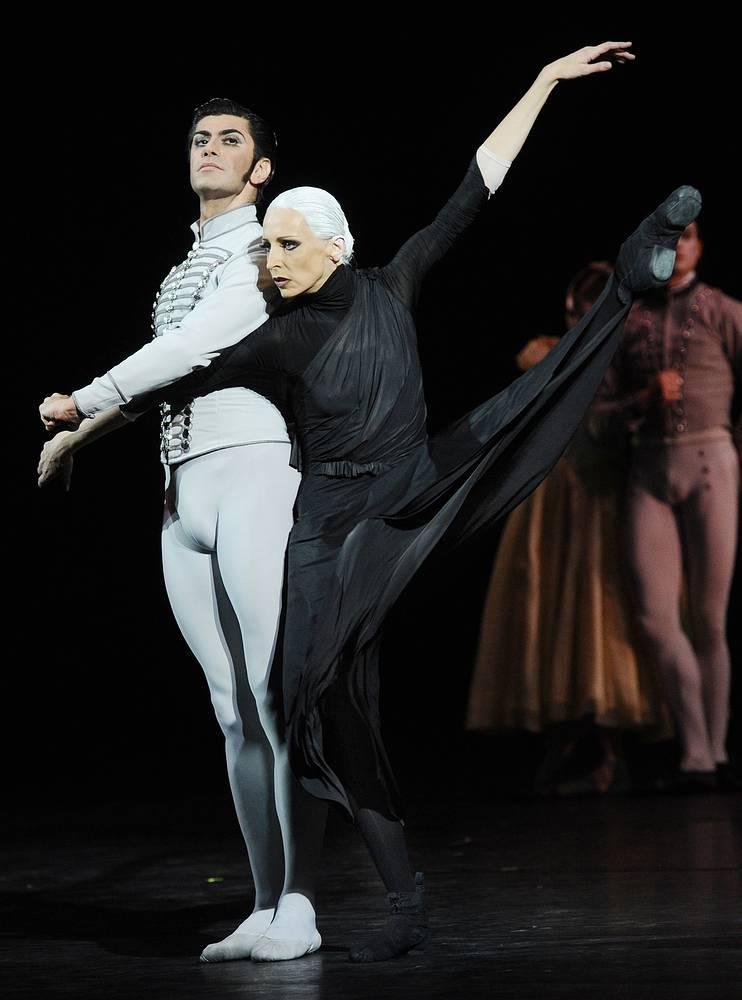 Илзе Лиепа и  Николай Цискаридзе во время бенефиса Илзе Лиепы в Большом театре в Москве, 2012 год