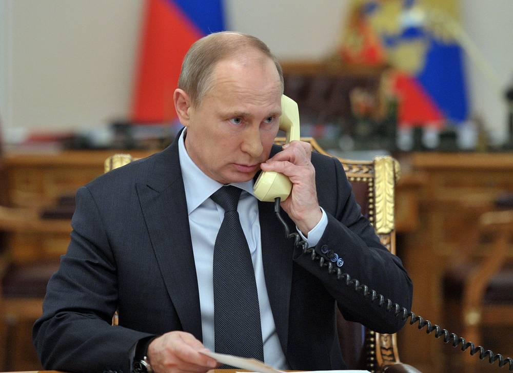 27 ноября президенты России Владимир Путин и Украины Петр Порошенко провели телефонный разговор. Лидеры обсудили двусторонние отношения и ситуацию на юго-востоке Украины. Инициировала беседу украинская сторона
