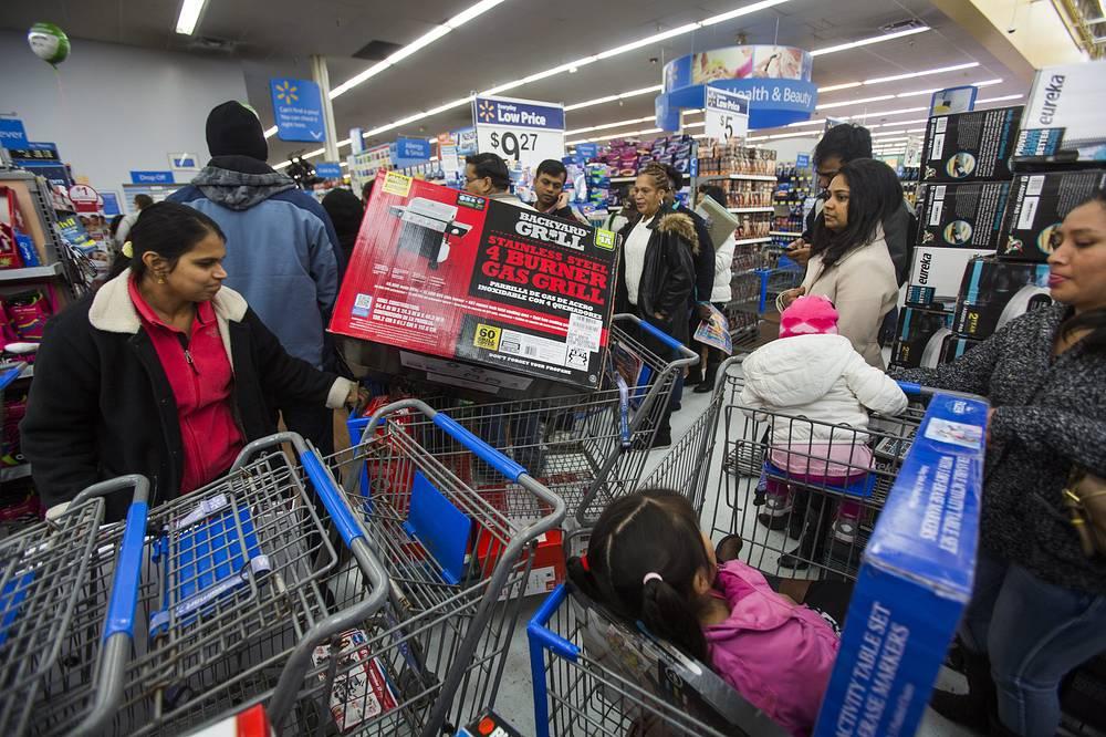 Старт рождественских распродаж в Фэрфаксе, штат Вирджиния