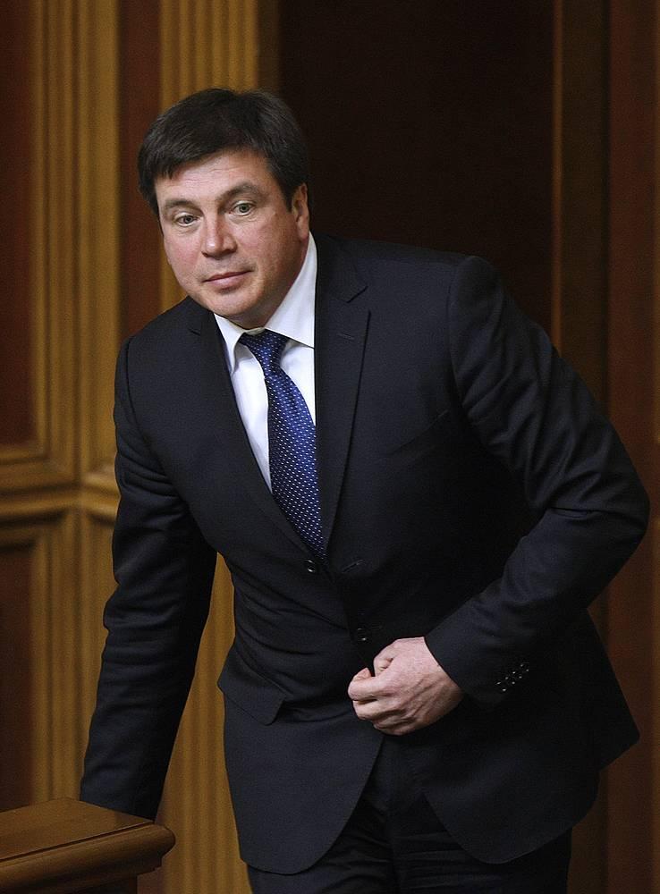 Министр регионального развития, строительства и ЖКХ Украины Геннадий Зубко на заседании Верховной рады