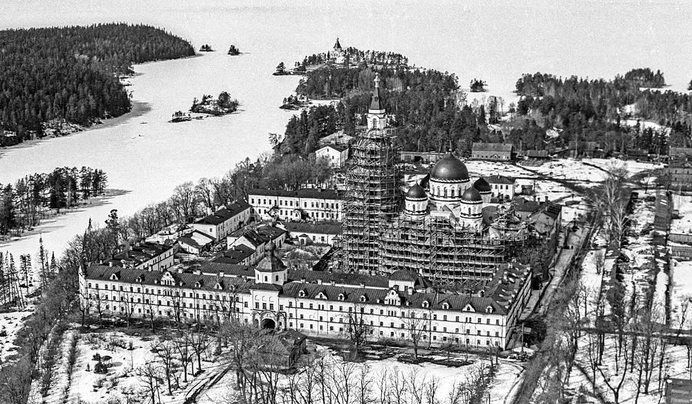 Преображенский мужской монастырь на острове Валаам до восстановления, 1988 год