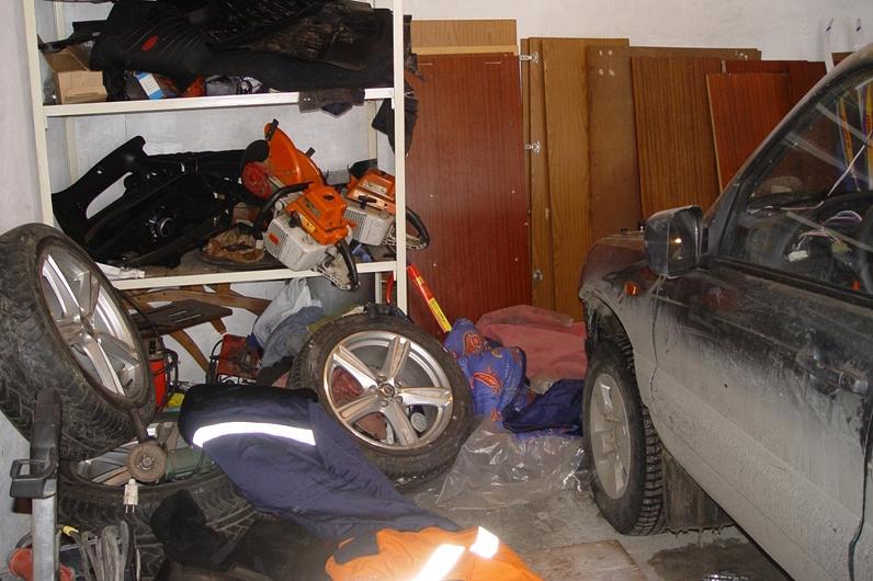 В гараже грабителей