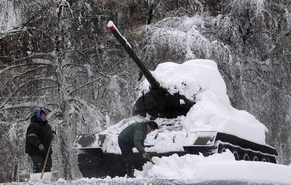 Т-34 является самым известным советским танком и одним из самых узнаваемых символов Второй мировой войны. На фото: памятник Второй мировой войне в Киеве