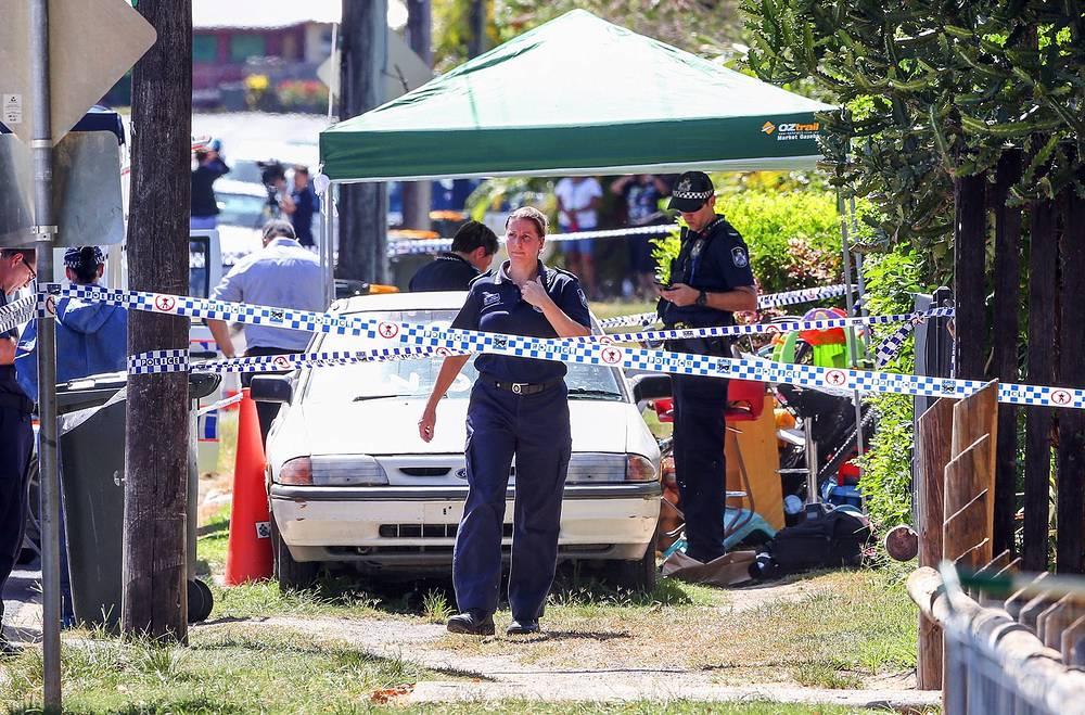 Полиция Австралии 19 сентября сообщила об убийстве восьми детей, самому младшему из которых было 18 месяцев. По информации местных СМИ, инцидент произошел в одном из частных домов города Кэрнса в северо-восточном штате Квинсленд. Прибывшие на место происшествия сотрудники правоохранительных органов обнаружили также женщину с ножевыми ранениями