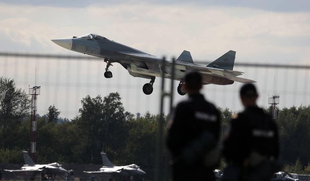 Т-50 на Международном авиационно-космическом салоне в Жуковском МАКС-2013