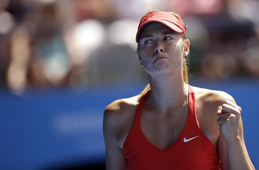 Мария Шарапова выиграла у Екатерины Макаровой в двух партиях, проиграв лишь пять геймов