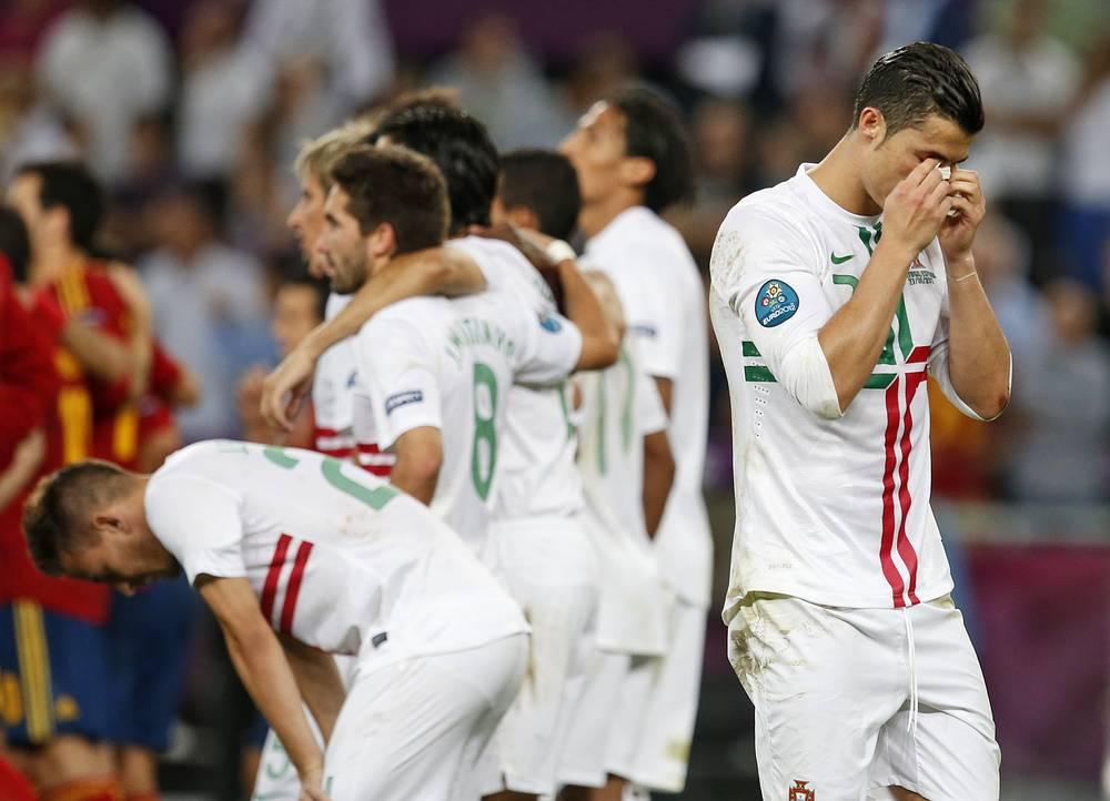 На Евро-2012 сборная Португалии заняла третье место. В полуфинале команда Криштиану Роналду по пенальти проиграла будущим победителям турнира - испанцам