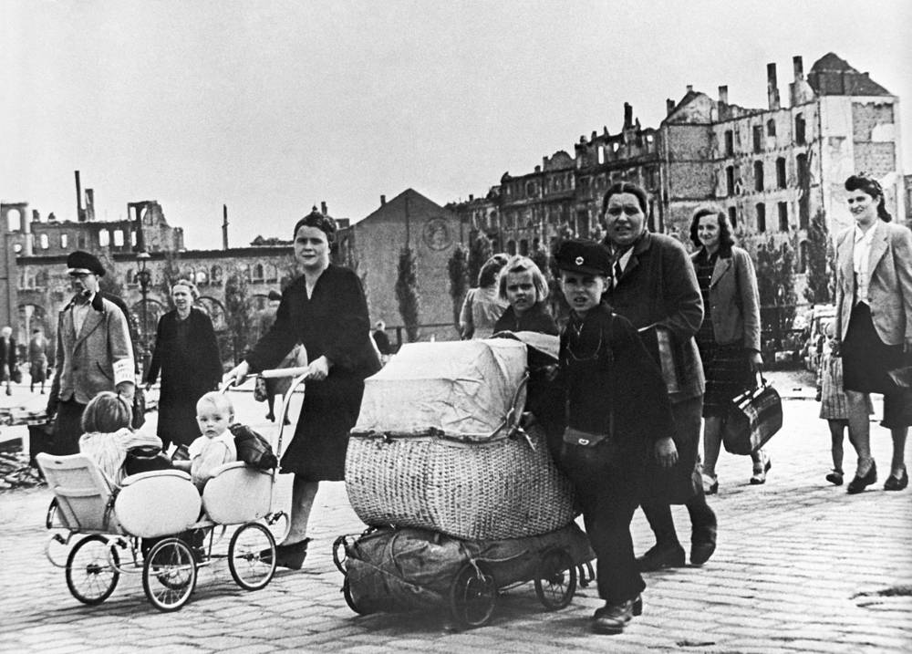 Возращение гражданского населнения после эвакуации, 1945 год