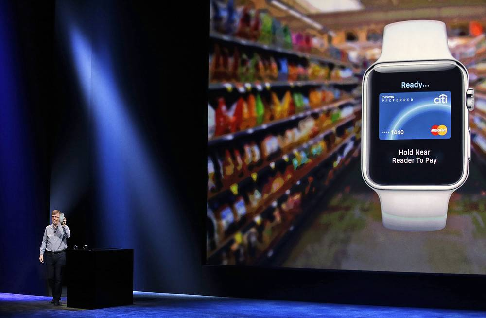 С помощью Apple Watch можно подключаться к социальным сетям, читать новости, следить за результатами спортивных трансляций, а функция Siri позволит узнать прогноз погоды