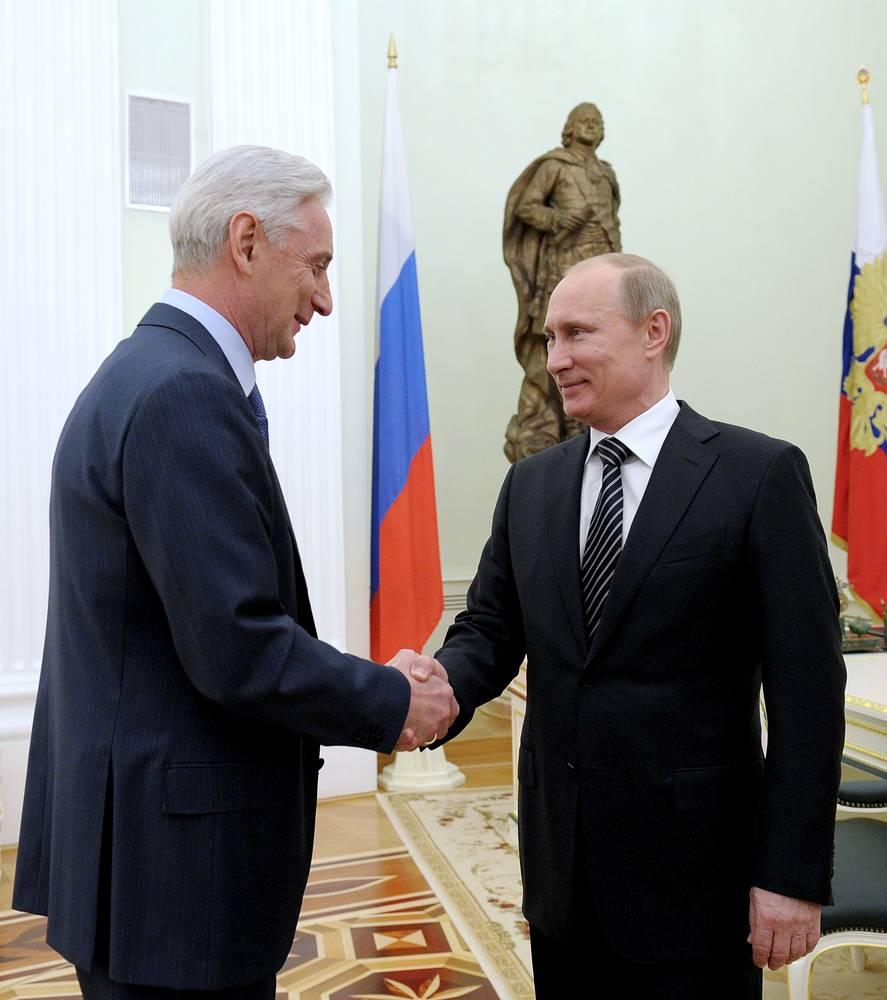 Президент РФ встретился с главным тренером сборной России по хоккею после победы на ЧМ-2012