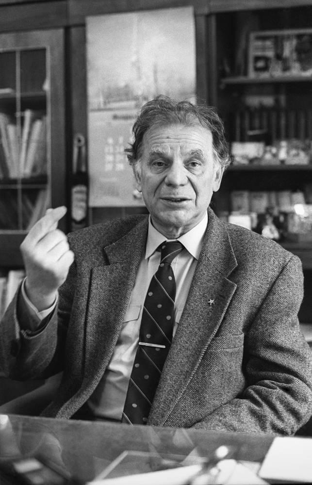 С 1979 года Жорес Алферов - академик Академии наук СССР. С 1991 года - вице-президент Российской Академии Наук. На фото: Жорес Алферов, 1995 год