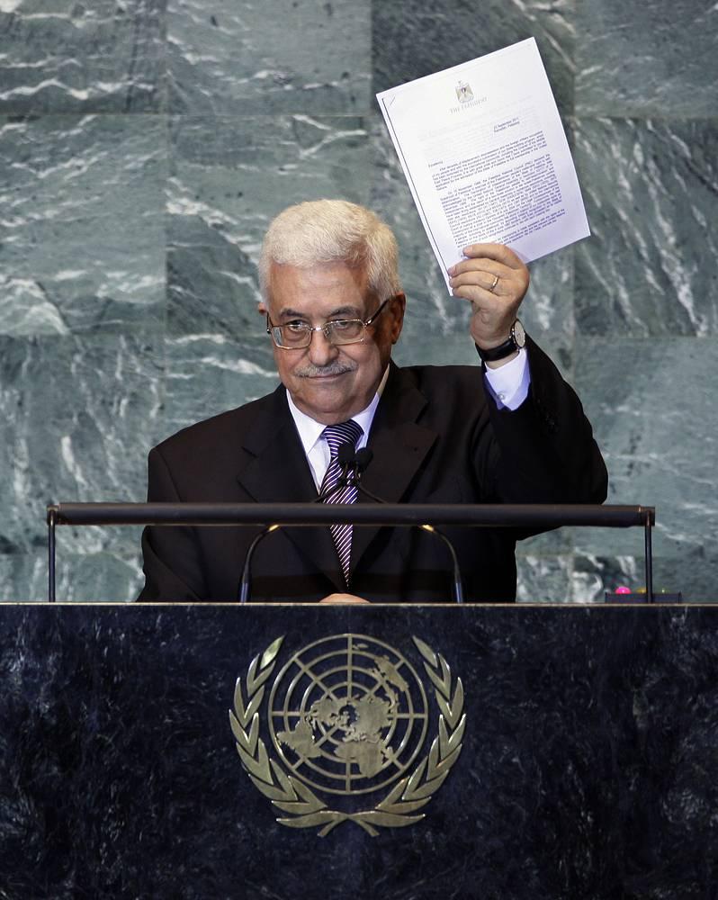 Аббасу удалось то, чего не успел сделать Арафат. 29 ноября 2012 года Палестина получила статус государства-наблюдателя при ООН, что означало фактическое признание палестинской государственности мировым сообществом. На фото: Аббас выступает на заседании Генассамблеи ООН с требованием признания Палестины, сентябрь 2011 года