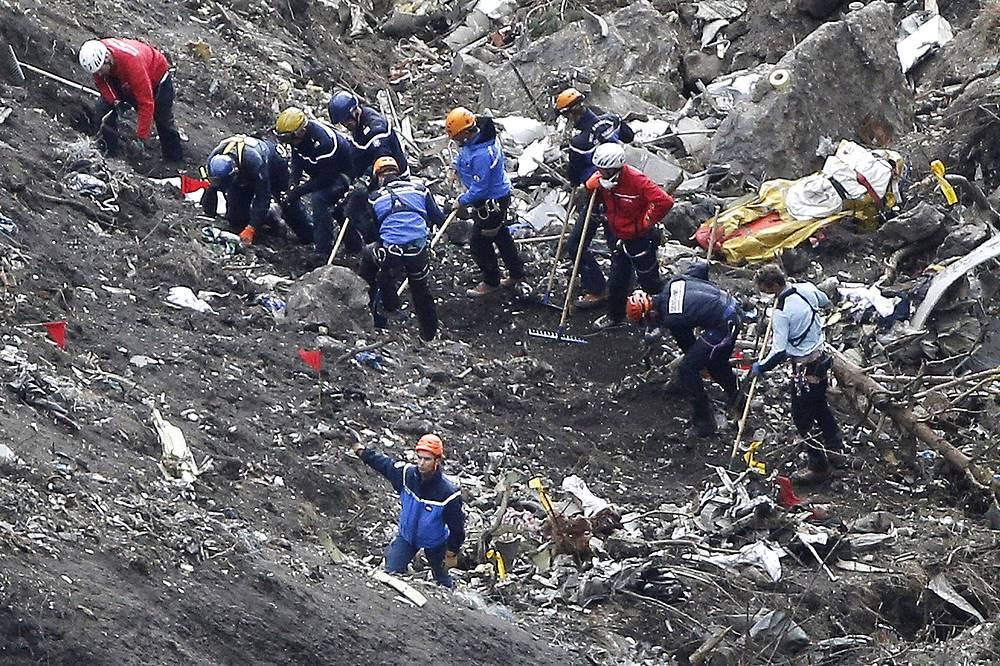 Катастрофа произошла в районе горного массива Труа-Эвеше в департаменте Альпы Верхнего Прованса, близ местечка Динь-ле-Бен