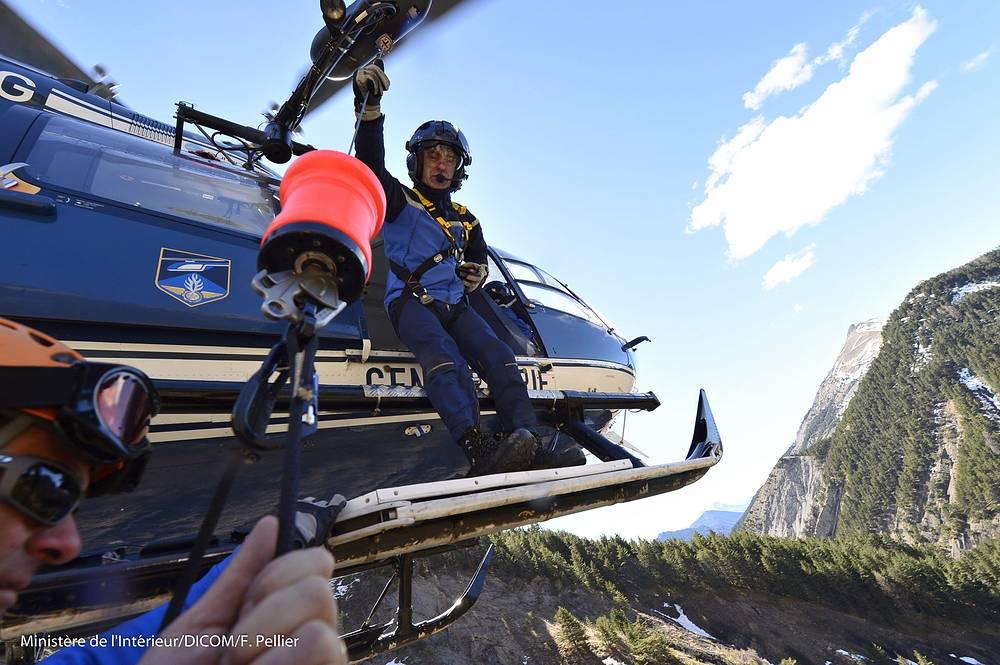 """Представитель жандармерии, отметил, что """"от самого самолета мало что осталось"""""""