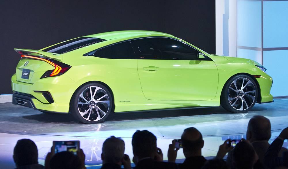 Honda представила хэтчбек Civic десятого поколения с турбомотором VTEC и 1,5-литровым двигателем