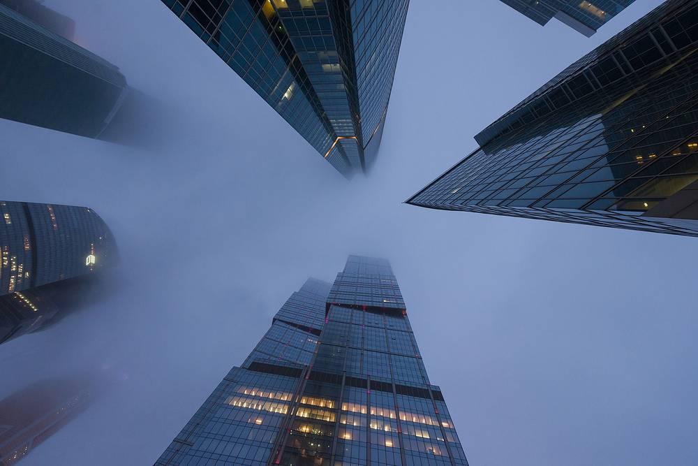 Давление. Туман в сити. Автор Алексей Зарипов, 33 года, Москва