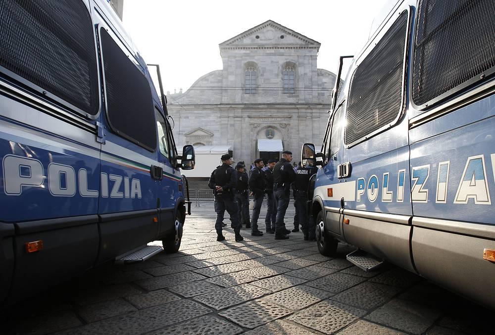 По решению папы римского Франциска Туринскую плащаницу выставили на всеобщее обозрение впервые за пять лет и третий раз в третьем тысячелетии
