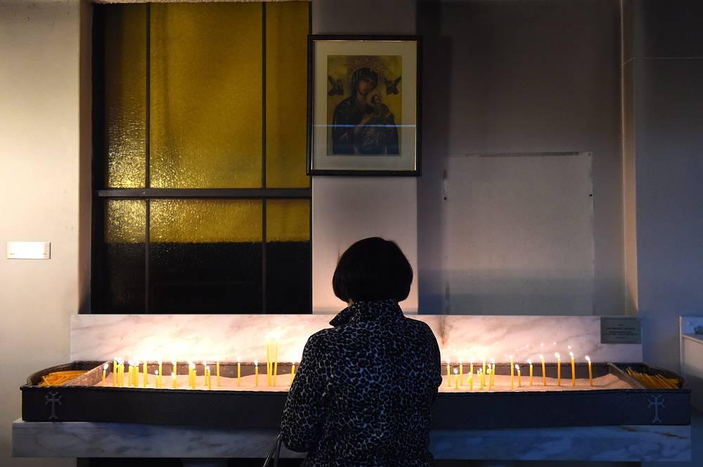 Сегодня армянская диаспора насчитывает около 5 млн человек. На фото: в храме Армянской апостольской церкви в Сиднее