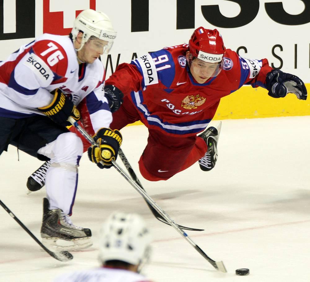 """Форвард Владимир Тарасенко (""""Сент-Луис Блюз"""", справа) - лучший бомбардир команды в регулярном чемпионате и плей-офф НХЛ"""