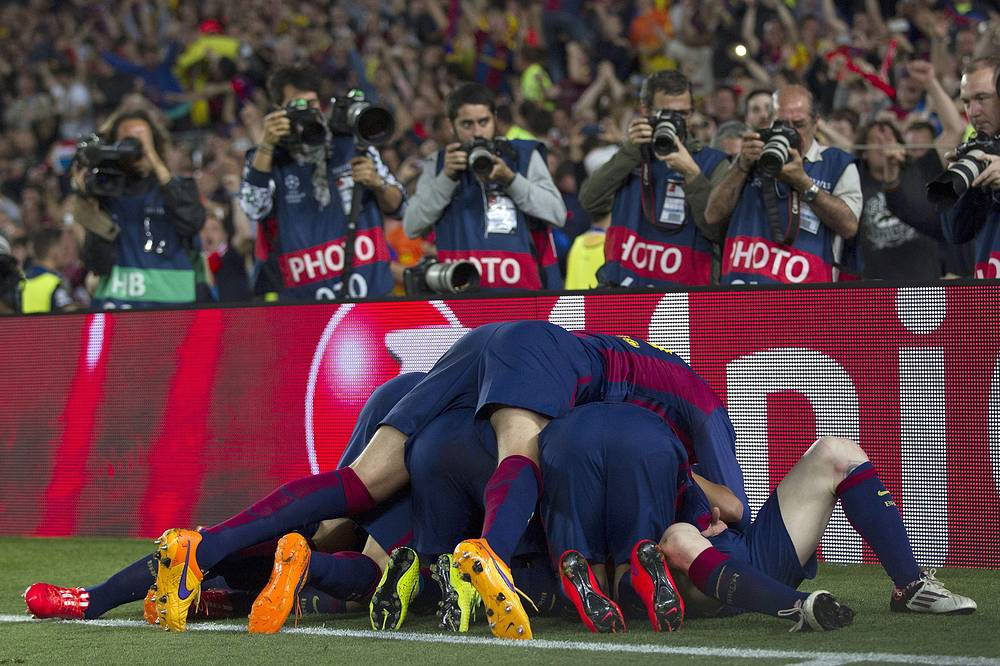 """Футболисты """"Барселоны"""" разгромили """"Баварию"""" в первом матче 1/2 финала Лиги чемпионов - встреча завершилась со счетом 3:0"""
