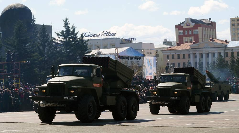 Реактивную артиллерию на параде в Улан-Удэ представила система Град