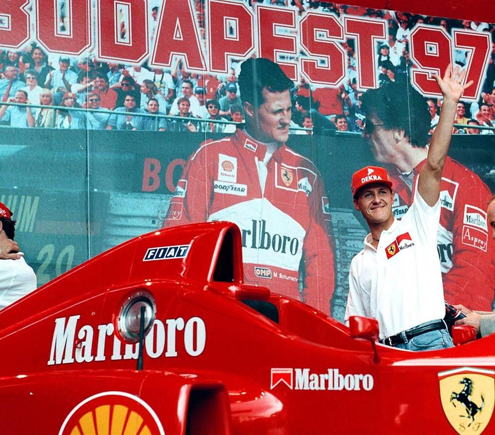 """Немецкий гонщик Михаэль Шумахер является самым результативным гонщиком в истории """"Формулы-1"""" по числу побед (91), подиумов (155), поул-позишн (65) и чемпионских титулов (7)"""