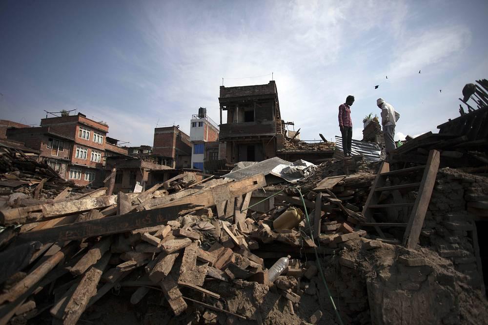 Число жертв второго землетрясения в Непале приблизилось к 100. Новые подземные толчки произошли спустя чуть более чем две недели после разрушительного землетрясения 25 апреля