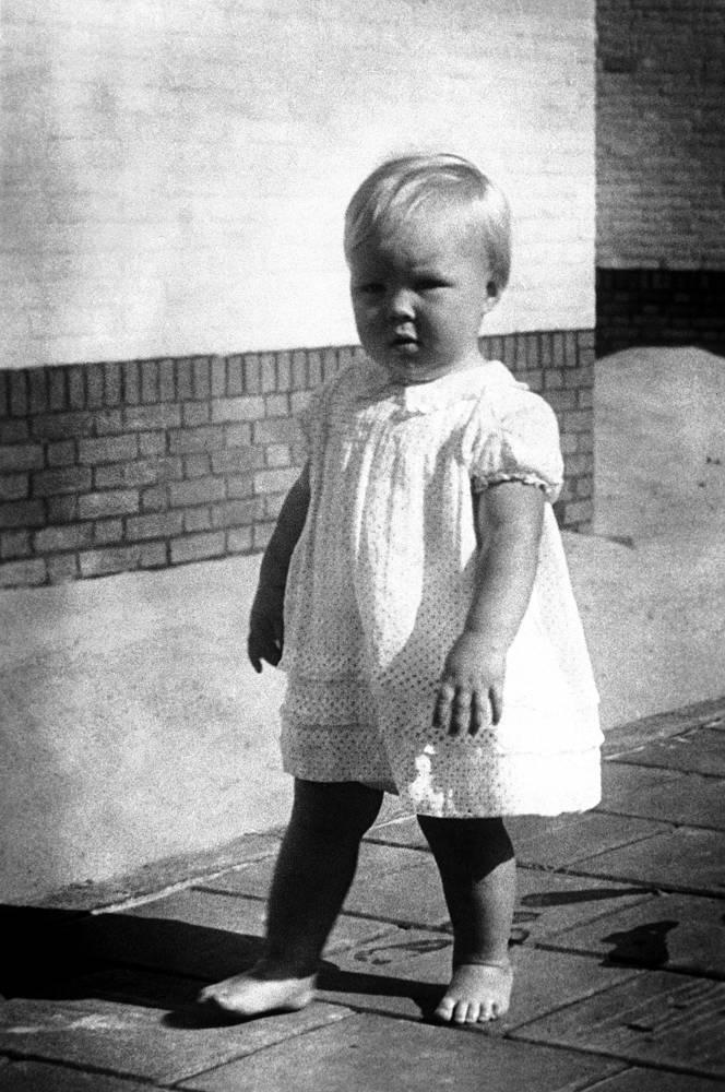 Принцесса Нидерландов Беатрикс в королевском дворце Сустдейк, 1939 год